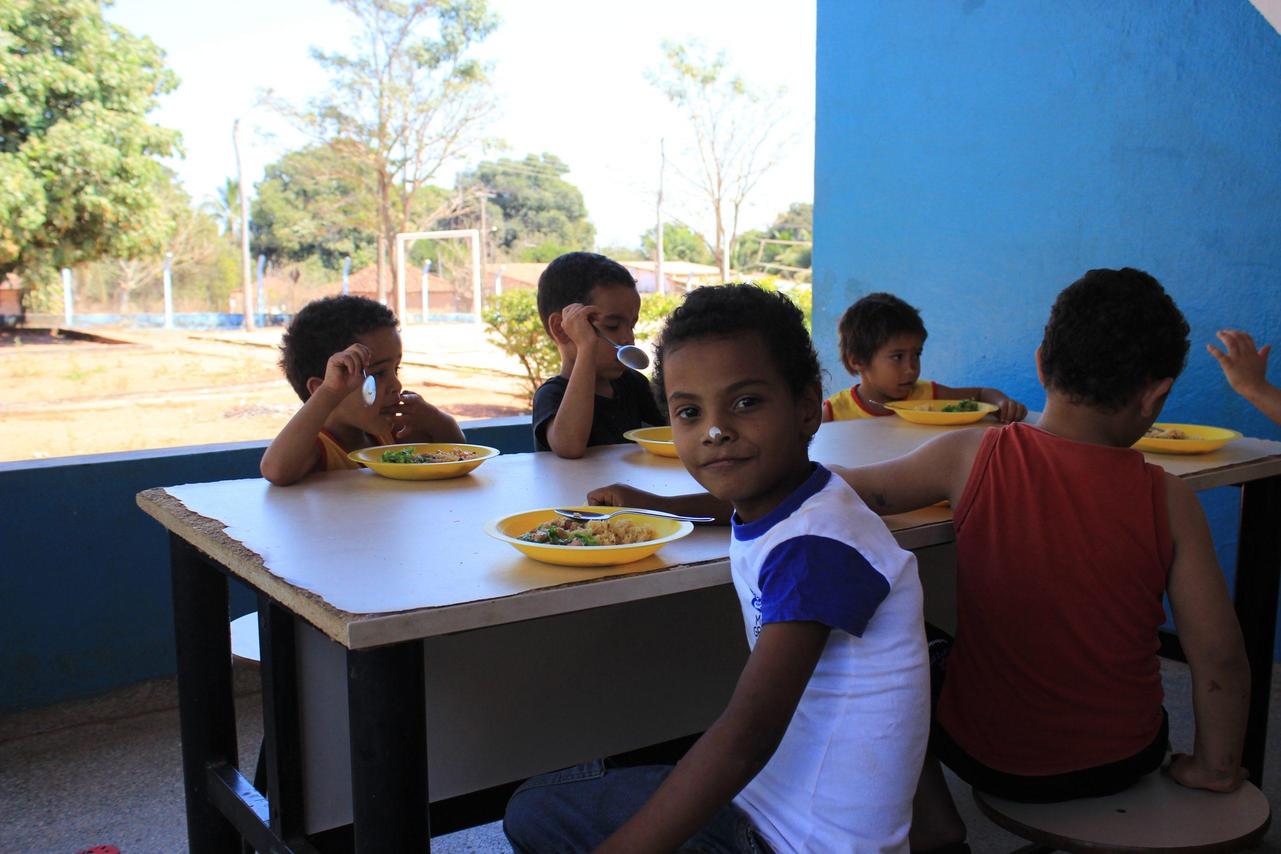 2017-Pranzo con i ragazzi di Paraiso